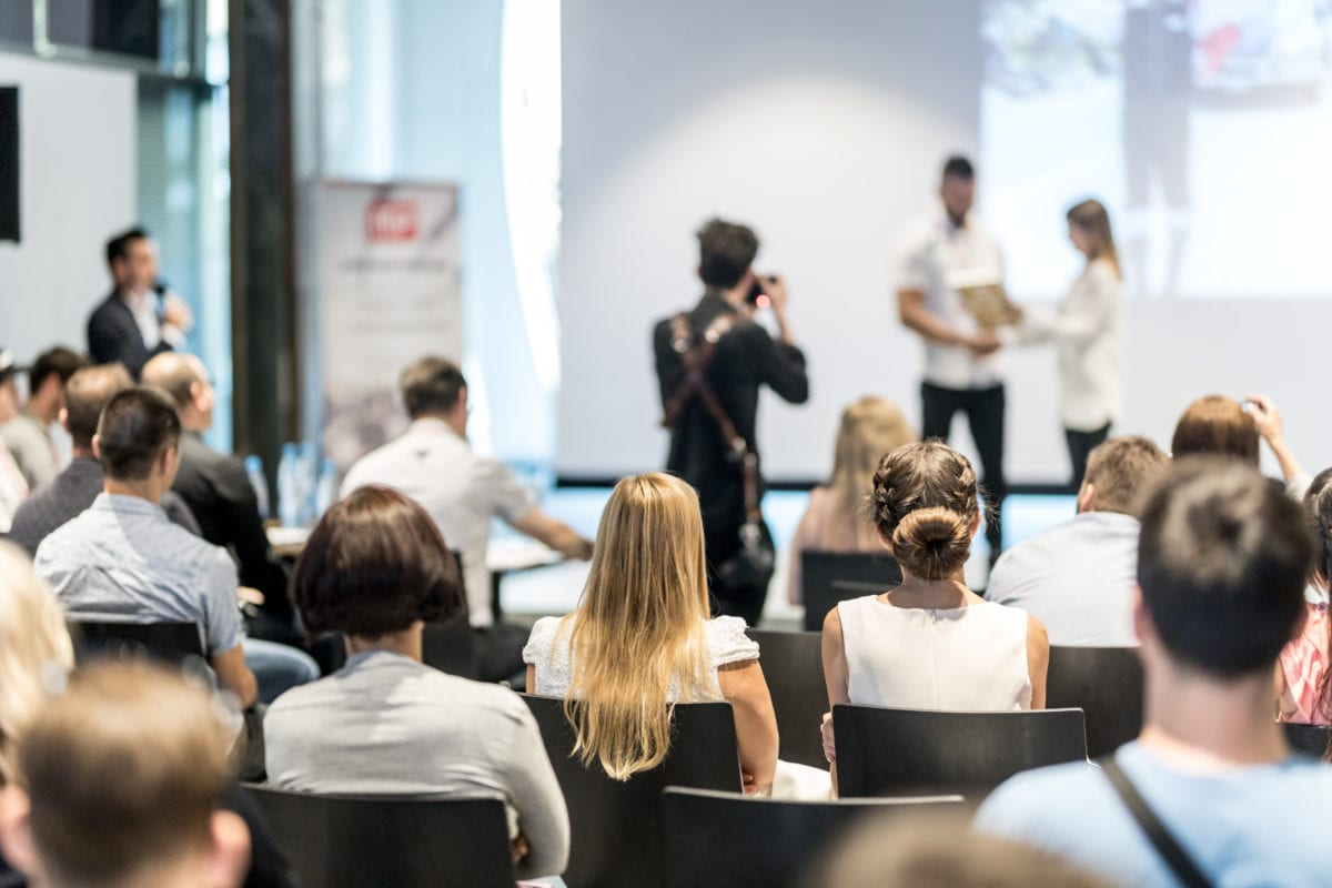 5 Interactive Corporate Networking Event Ideas - partyinkers